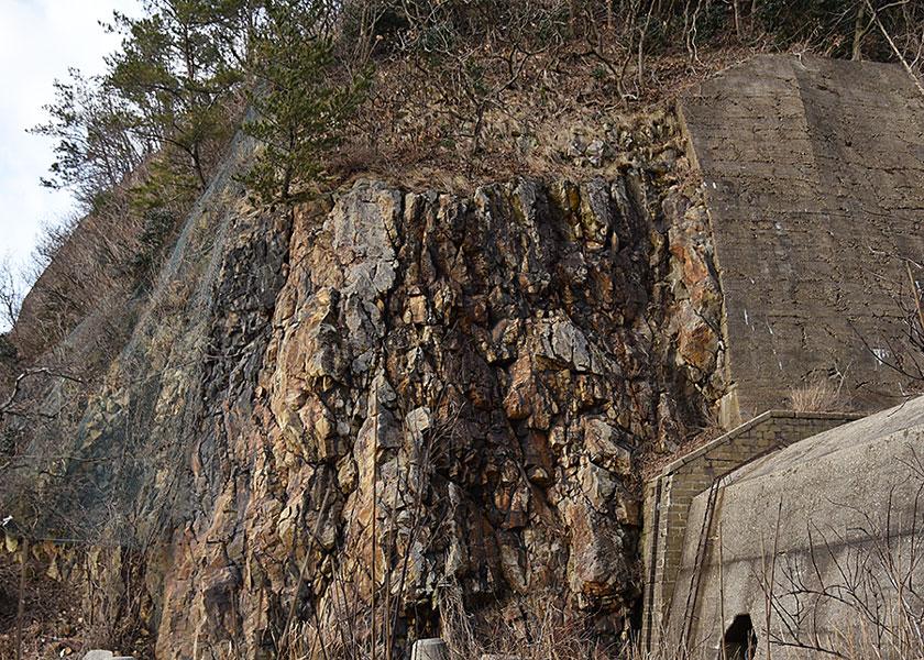 一跳山の採石場跡