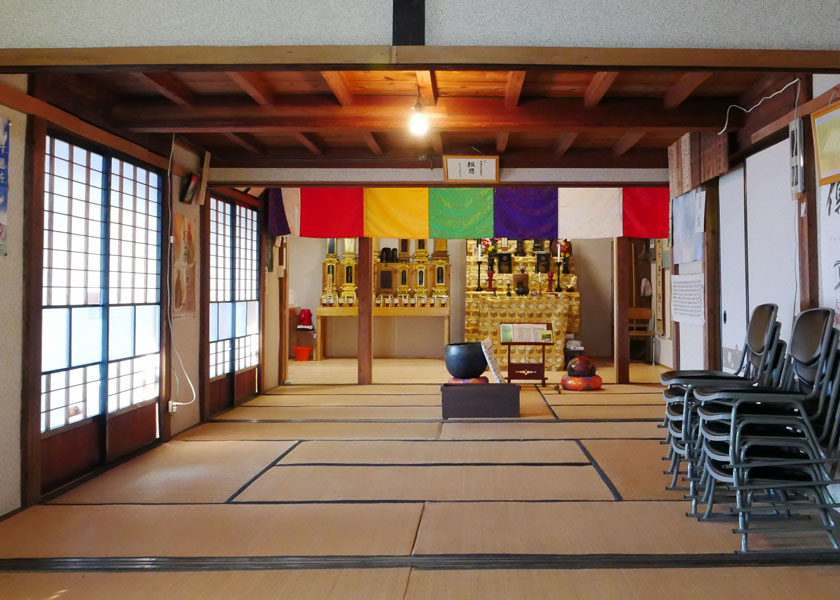 お寺の内部